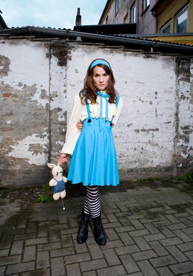 Kostümdesign, Alice