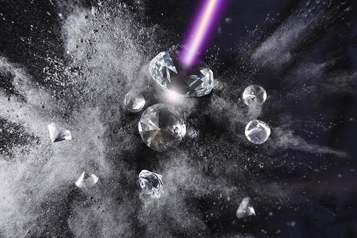 Forscher verwandeln Diamant in Graphit